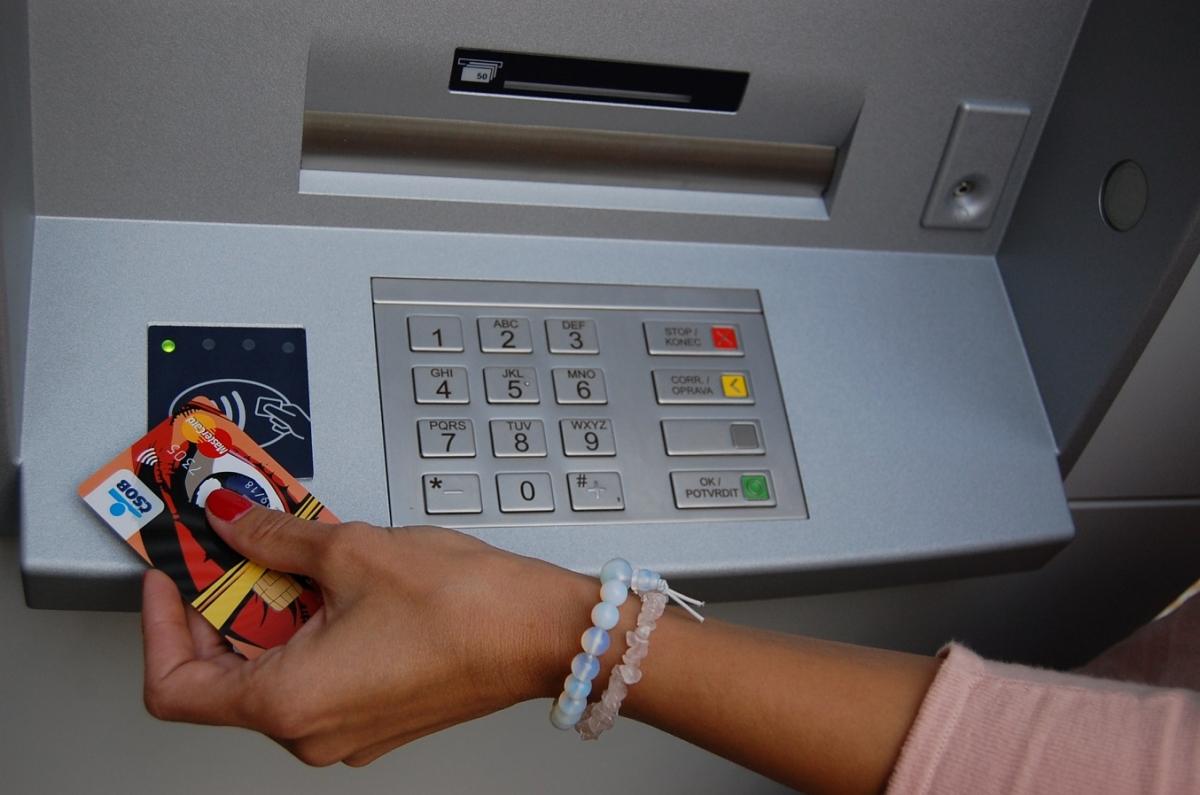 Bezkontaktní ATM_COOL karta_01_m