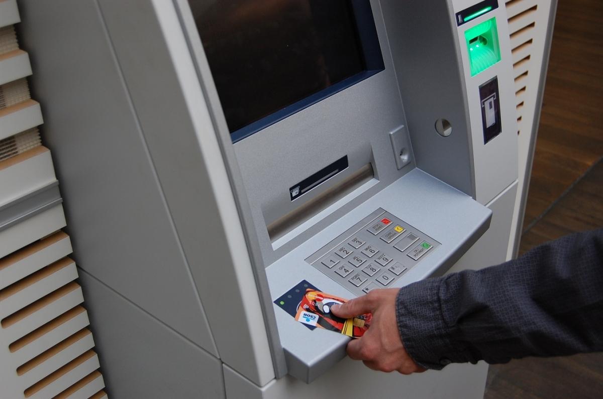 Bezkontaktní ATM_COOL karta_m