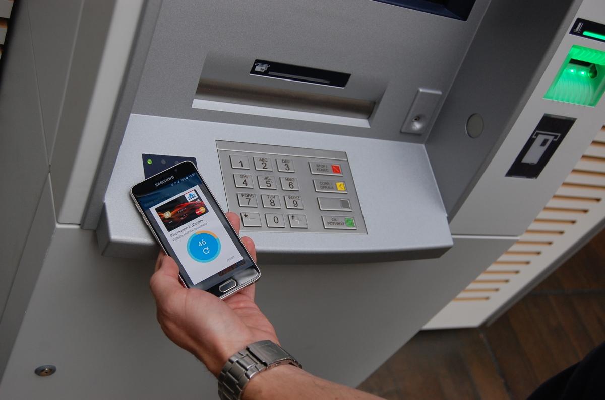 Bezkontaktní ATM_mobil